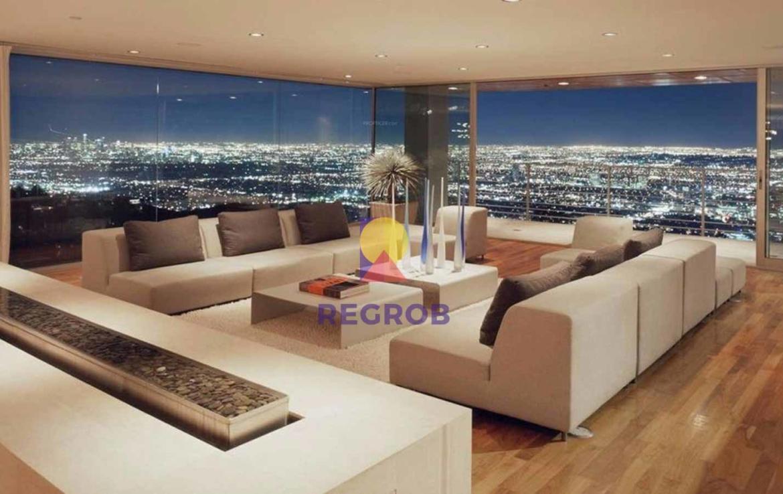 Concorde Cresent Bay Living Area